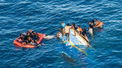 29803B7200000578 3117954 Tragic Only a handful of the near 450 migrants on board the sink a 82 1433929825244