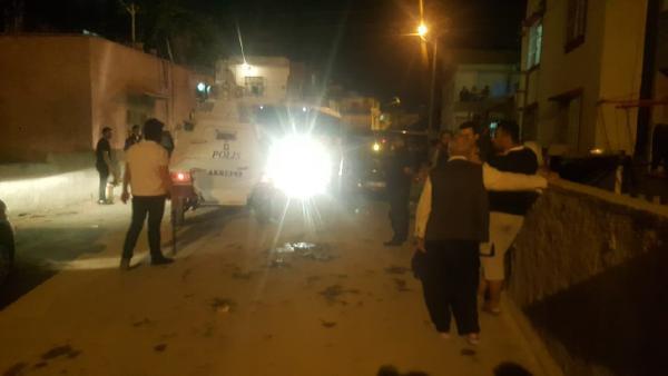 السلطات التركية ترحل عائلة سورية من مرسين على خلفية مشاجرة بين سوريين وأتراك