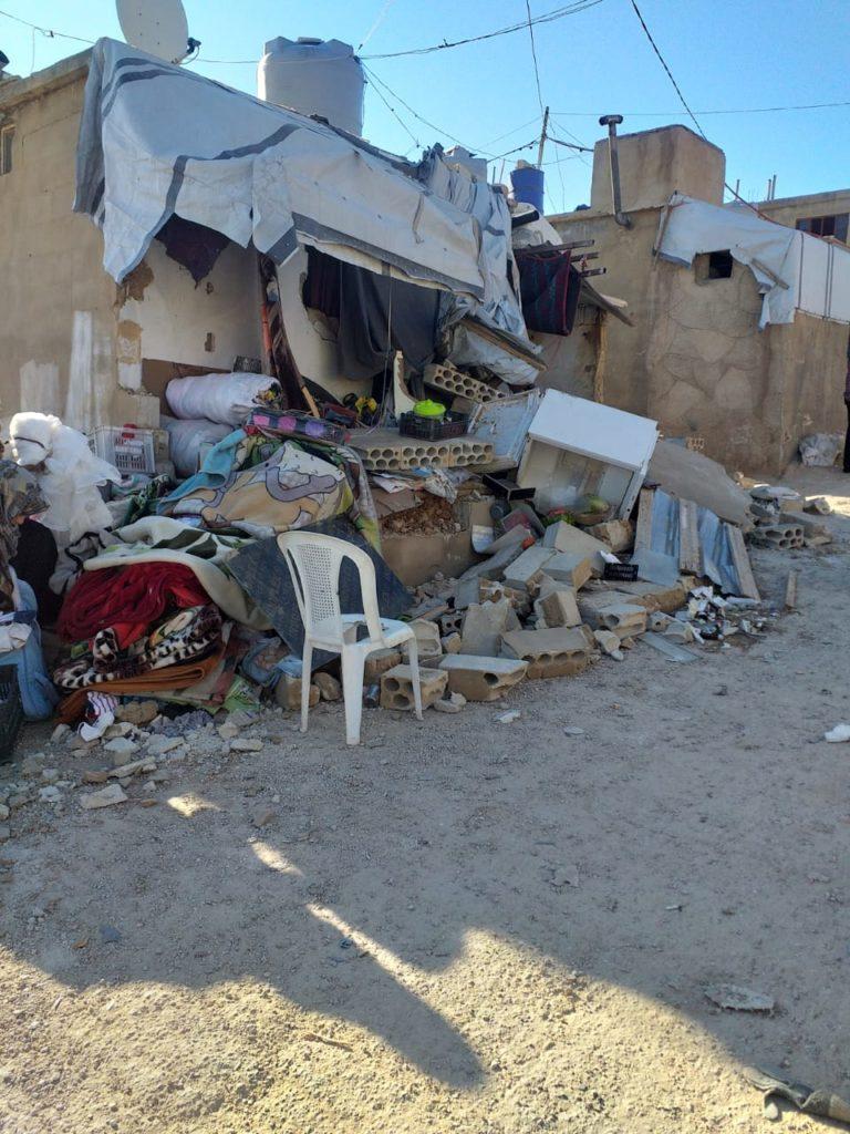 الجيش اللبناني يهدم عشرات الخيم للنازحين السوريين في مخيمات عرسال بحجة المخالفة