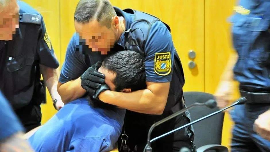 لاجئ فلسطيني سوري يحاول قتل المدعي العام أثناء محاكمته في ألمانيا (صور)