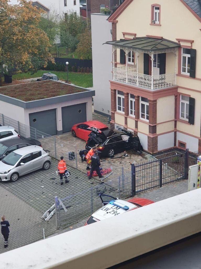 عربي يقتل زوجته بدهسها وتحطيم رأسها في ألمانيا