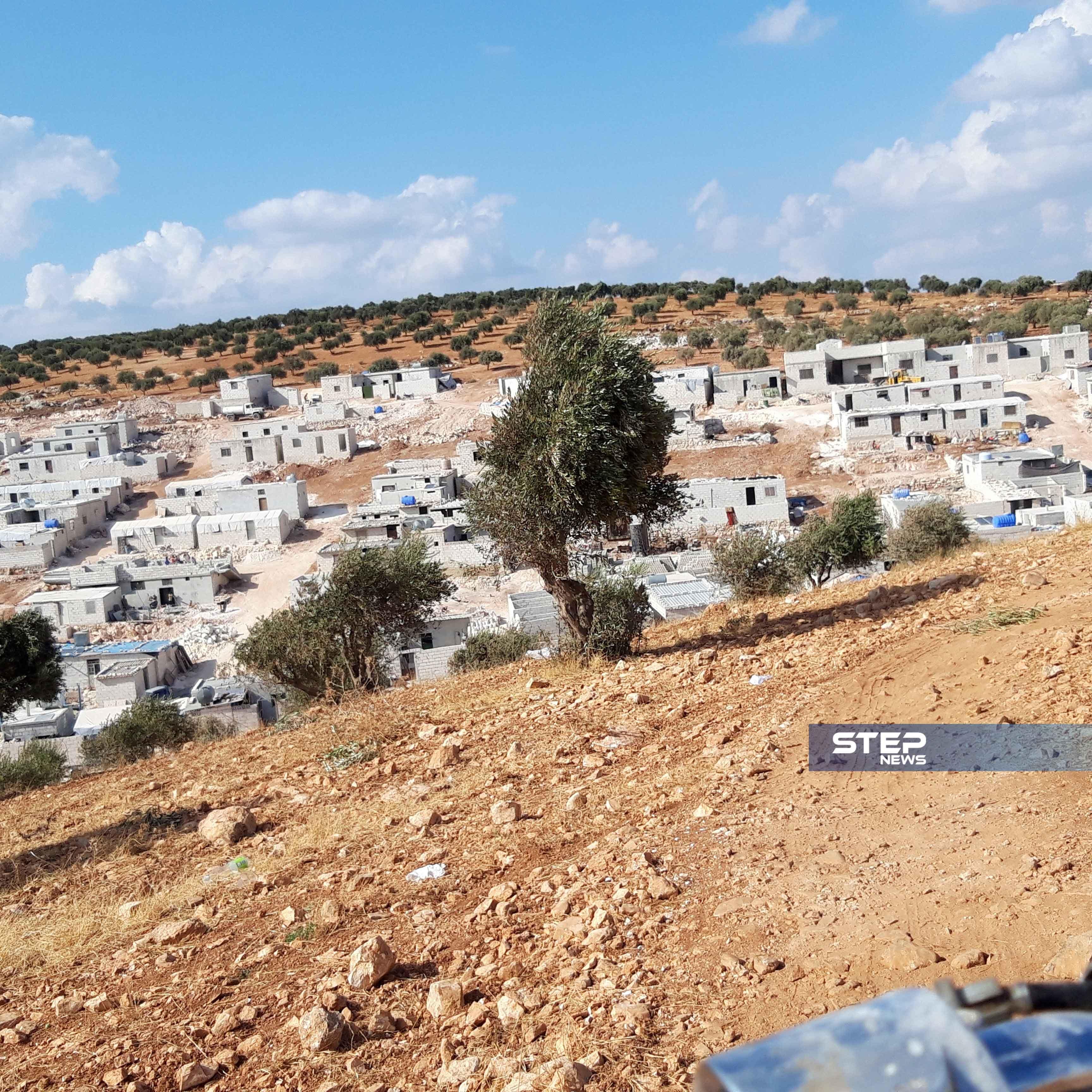 """مهجري ريف حماة .. من قصف قوات النظام إلى رصاص """"الجندرما"""" التركية"""