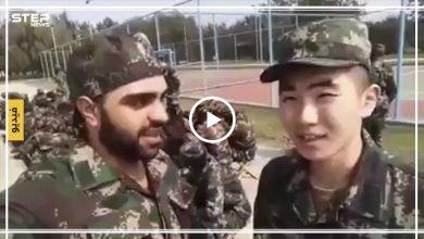 """مقاتل صيني إلى جانب قوات النظام السوري قائلًا: """"هنت قد الدولة يا حيوان!!"""" (فيديو)"""