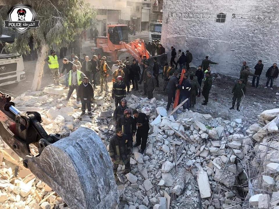 صور || قتلى وجرحى بانهيار مبنى في مدينة حلب.. التفاصيل
