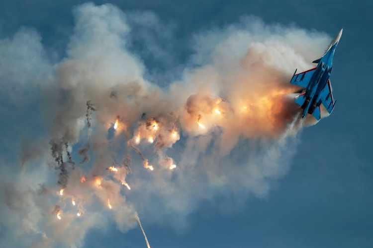 الجيش المصري يُعلن سقوط طائرة حربية بسيناء .. وتنظيم داعش يحتفل بالإنجاز
