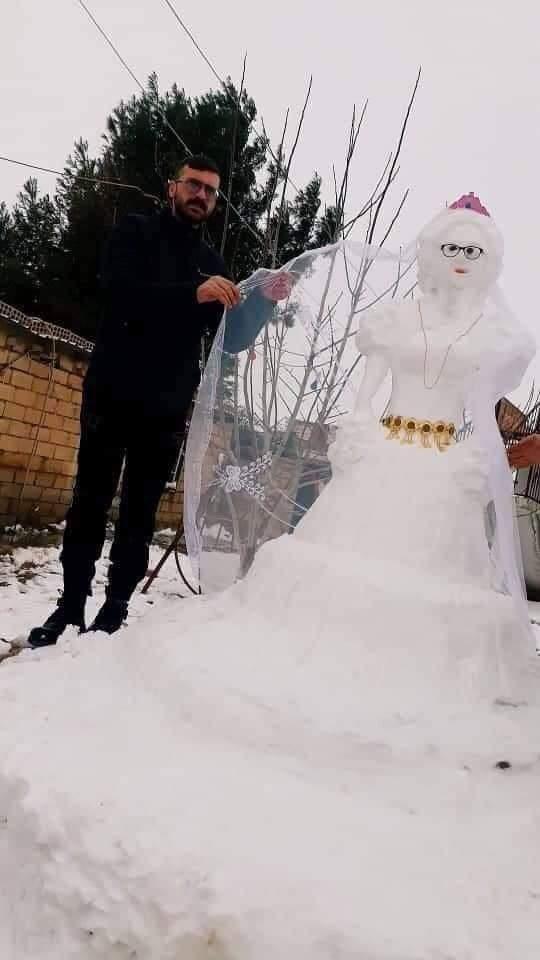 بالصور   شاب سوري يبتكر عروساً لاتحتاج إلى مهر أو ذهب على حسب وصفه
