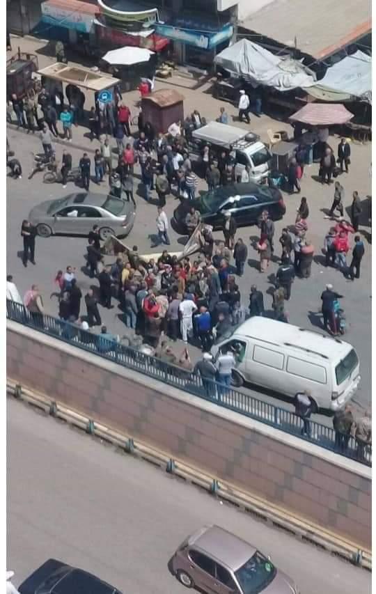 """هل انطلقت ثورة """"الجياع"""" في اللاذقية.. اعتصام للعشرات وسط المحافظة وهذه مطالبهم (فيديو وصور)"""