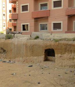 """رجال أعمال """"قرداحيين"""" يحتلون مناطق أثرية ويعبثون بتاريخ مدينة جبلة في اللاذقية (صور)"""
