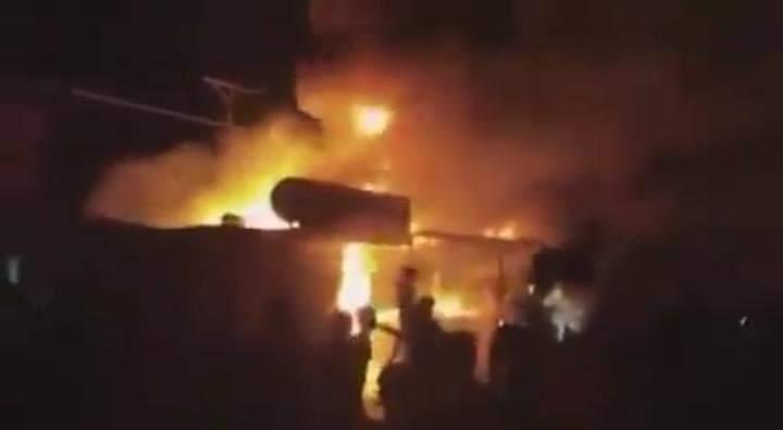حريق هائل يلتهم فرع أمني سيء الصيت في اللاذقية.. فما مصير المعتقلين