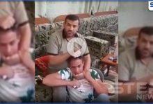 بالفيديو|| عائلة عراقية شيعية تدعو سرايا السلام لقتل ابنها والتمثيل به بعد شتمه مقتدى الصدر!
