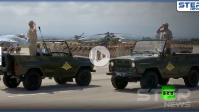 بالفيديو || بمناسبة وطنية روسية.. عرض عسكري في قاعدة حميميم على الساحل السوري