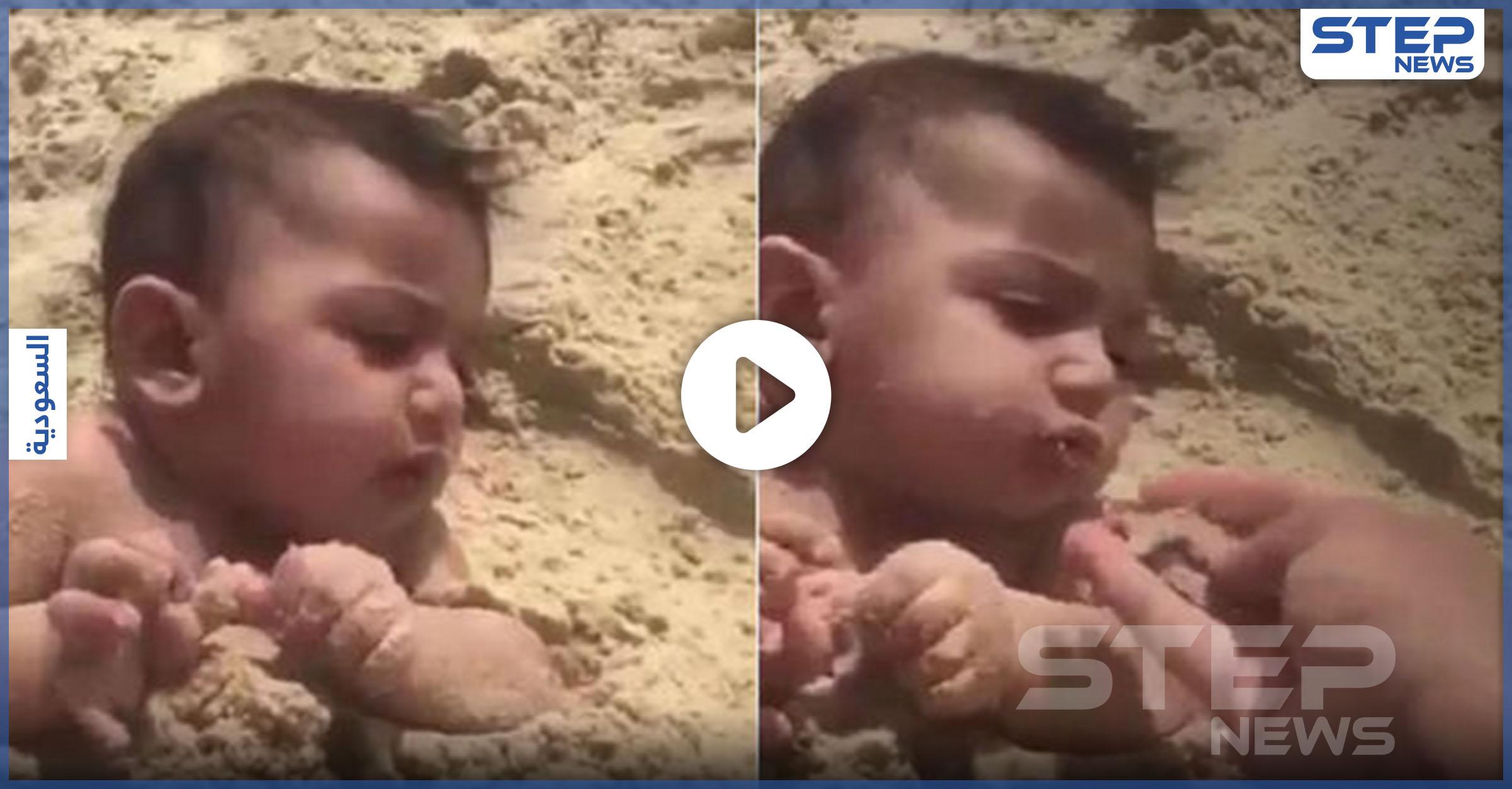 سعودي يدفن رضيعاً ويطعمه الرمال