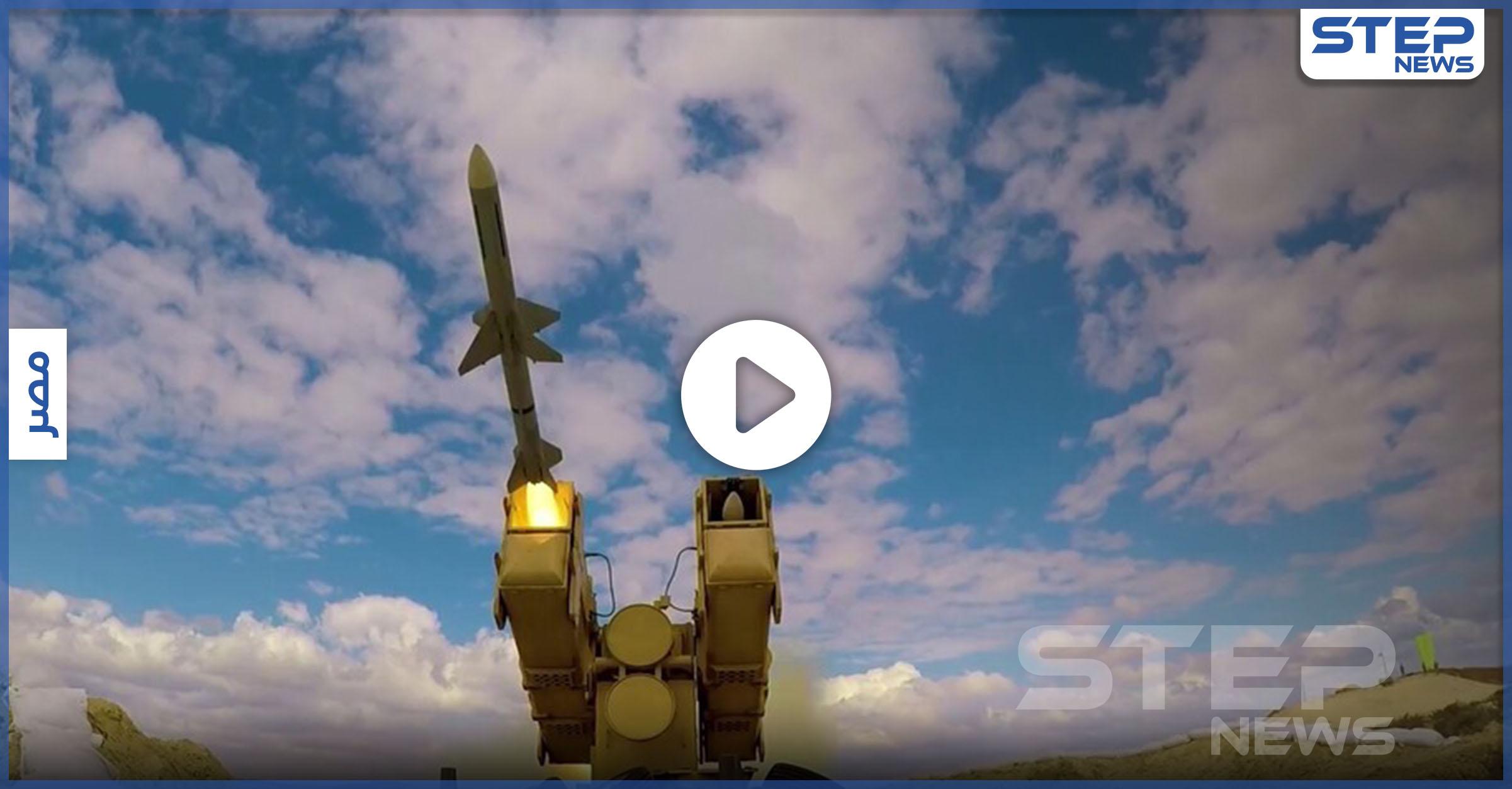 الجيش المصري يستعرض سلاح آمون
