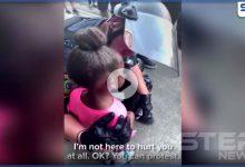 الاحتجاجات على مقتل فلويد تعم العالم وتصل دول عربية.. وطفلة أمريكية تتوسل للشرطة (فيديو)
