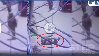 بالفيديو|| سقط طفلها من بين يديها.. امرأة تلقى حتفها في مخيم شاتيلا برصاص تجار المخدرات