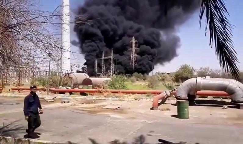 ضمن سلسلة الانفجارات .. حريق يلتهم محطة لإنتاج الطاقة في إيران (فيديو)