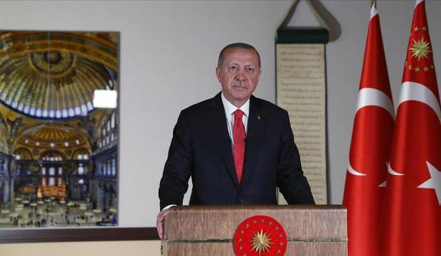أردوغان يصدر عدّة قرارات حول آيا صوفيا ويحدد تاريخ إقامة أول صلاة جمعة فيه