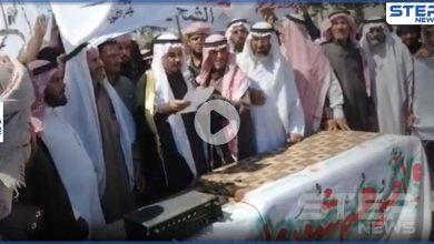 بمهلة شهر.. قبيلة العكيدات تجتمع بدير الزور وتوضّح مطالبها من التحالف الدولي وقسد (فيديو)