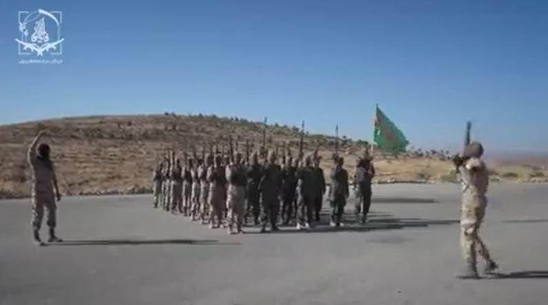 """بخطاب تحريضي.. النظام السوري والميليشيات الموالية تُجيّش ضد """"قسد"""" شرق سوريا (فيديو)"""