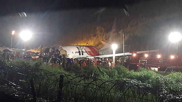 بالفيديو || ما بين تحطم طائرة وانهيارات وفيضانات.. كوارث تحصد أرواح المدنيين في الهند
