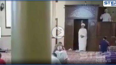 بالفيديو || في أغرب صلاة جمعة خطيبان يلقيان خطبة الجمعة معاً في مسجد واحد