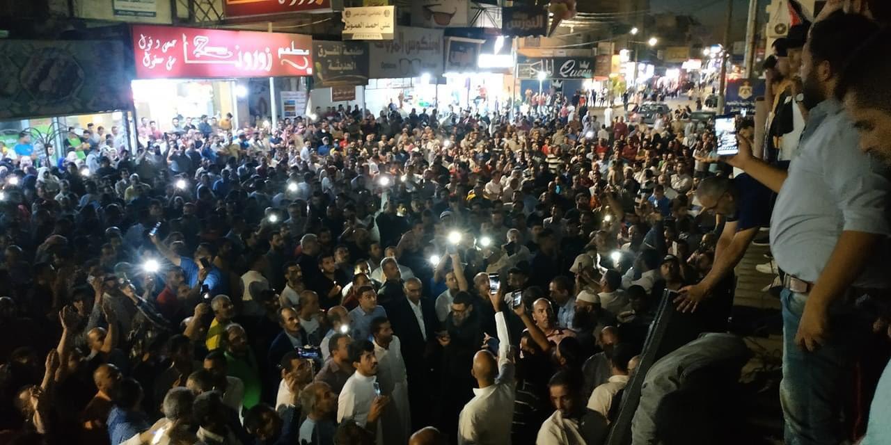 اعتصامات واحتجاجات واسعة تشهدها الأردن بعد حملة اعتقالات بحق نقابة المعلمين الأردنية (فيديو)