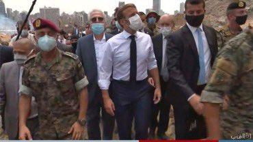 إيمانويل ماكرون في بيروت حاملاً مساعدات مرهونة بمبادرة سياسية هامّة في لبنان