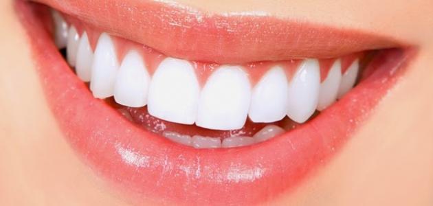 تبييض الأسنان بالليزر
