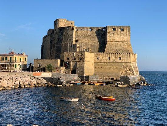 السياحة في إيطاليا - قلعة ديلوفو