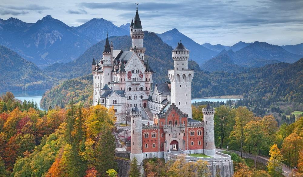 أشهر المعالم السياحية في العالم - قلعة نويشفانشتاين في ألمانيا