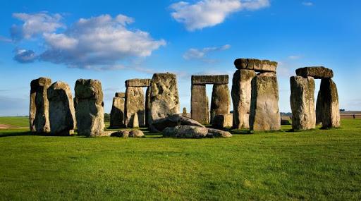 أشهر المعالم السياحية في العالم - أحجار ستونهنج