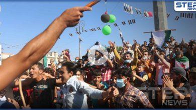 """ستيب نيوز ترصد خروج مظاهرة في مدينة إدلب تحت شعار """"مهما حرق الاسد نحن سنبني البلد"""""""
