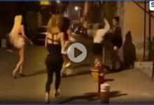 بالفيديو|| ضرب وعراك بالأيدي بين متحولين جنسياً في أزمير التركية
