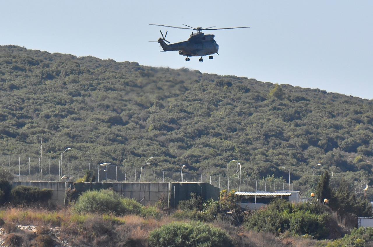 طوافات للجيش اللبناني بمحيط جلسة المفاوضات