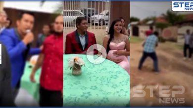 بالفيديو || رجل يكشف خيانة زوجته أمام الناس بمشهد فاضح