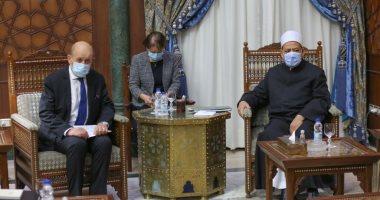 """""""يجب وقفها فوراً"""".. تفاصيل لقاء شيخ الأزهر مع وزير الخارجية الفرنسي"""