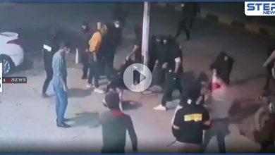بالفيديو|| الميليشيات العراقية تقتحم أحد مراكز التدليك في بغداد وتجر النساء للطريق وتنهال عليهم ضرباً
