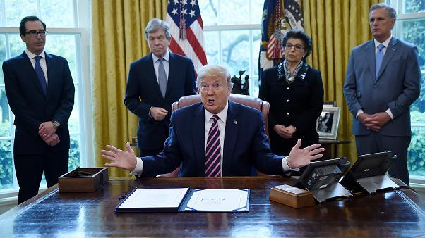"""موقع أمريكي يكشف خطة ترامب في آخر أيامه بالبيت الأبيض والتي ستورّط """"بايدن"""" مع إيران"""