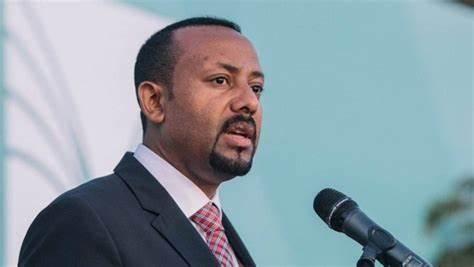 """رئيس وزراء إثيوبيا يوجه رسالة """"شديدة اللهجة"""" إلى المجتمع الدولي"""
