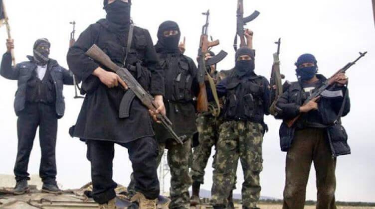 """هجوم على حافلة ركاب بين الرقة وحماة والاتهامات تُشير إلى جهتين إحداهما تنظيم """"داعش"""""""