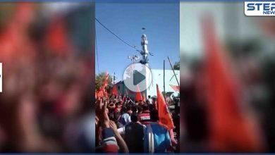 بالفيديو|| مجموعات من الهندوس يهاجمون مسجد أهل السنة بالهند ويحاولون تحطيم المئذنة