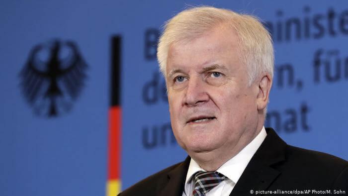 بات قريباً جداً.. وزير الداخلية الألماني يعلن موعد تنظيم عمليات لترحيل اللاجئين السوريين