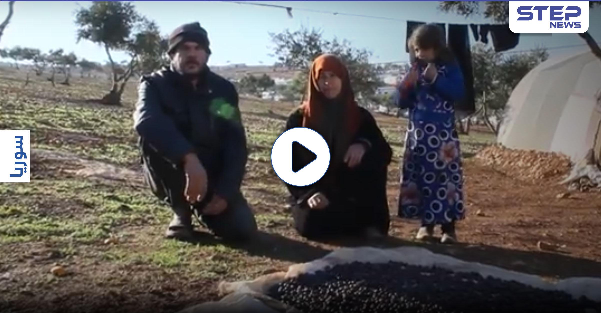 """""""يارب تمطر علينا خبز وطحين"""".. على الحدود التركية"""
