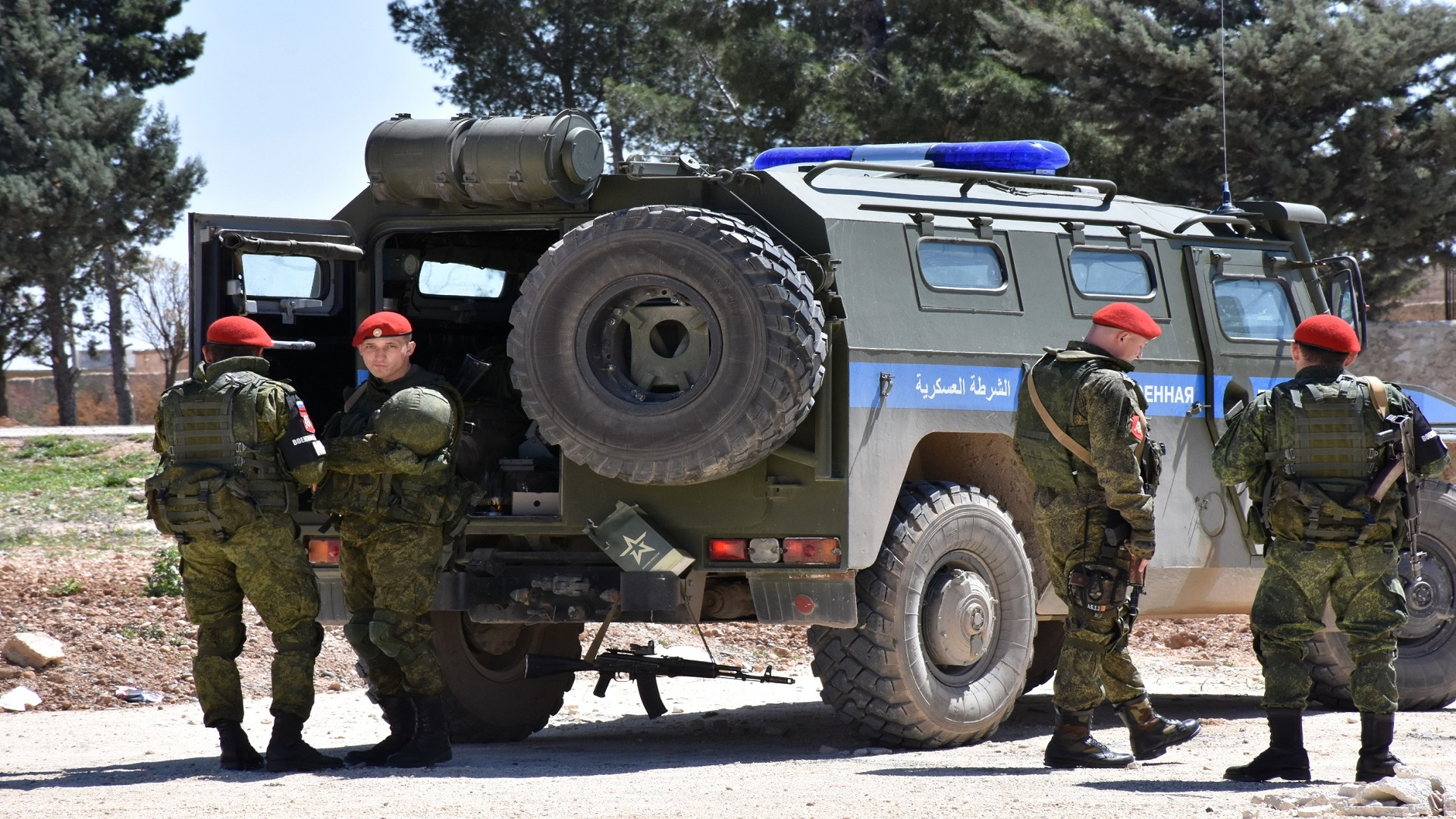 الشرطة العسكرية الروسية تخيّر أهالي درعا بين الضربات الجوية أو تهجير ستة أشخاص مع عائلاتهم