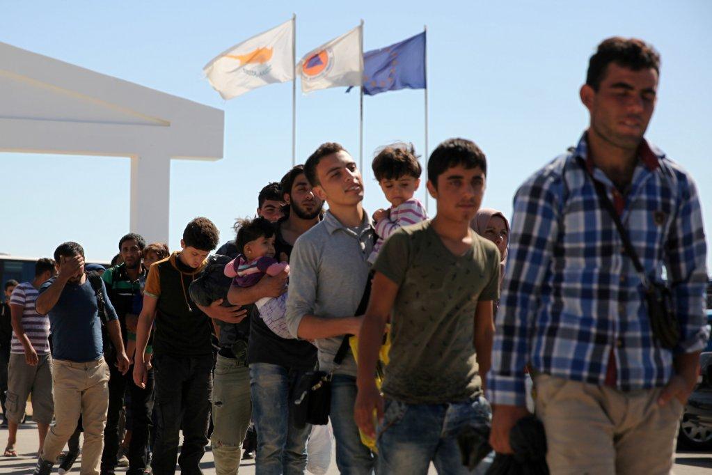 قبرص تُصدّر قراراً ضد اللاجئين السوريين بأحد قراها.. وألمانيا تُوقف مواطناً على صِلة بتحرير الشام