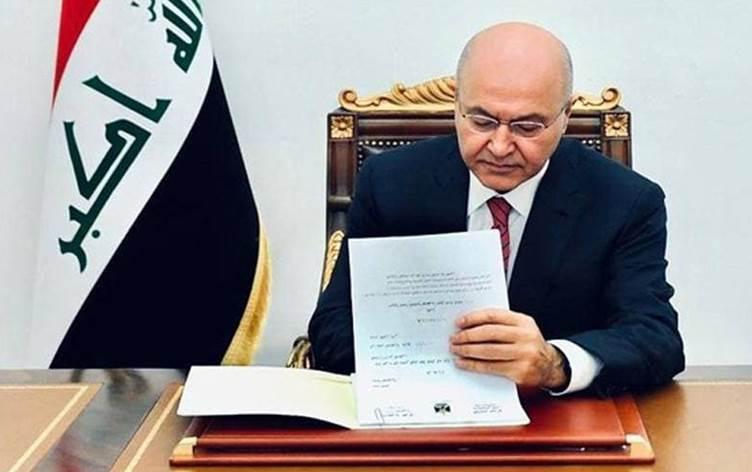 الرئيس العراقي يوقع اتفاقية باريس.. وشارل ديغول ستنفذ مهمّة في سوريا والعراق بهذا التوقيت