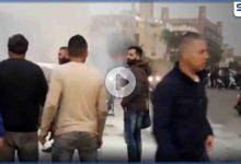 بالفيديو|| سائق أجرة لبناني يقدم على قطع طريق المطار ويحرق نفسه ومركبته