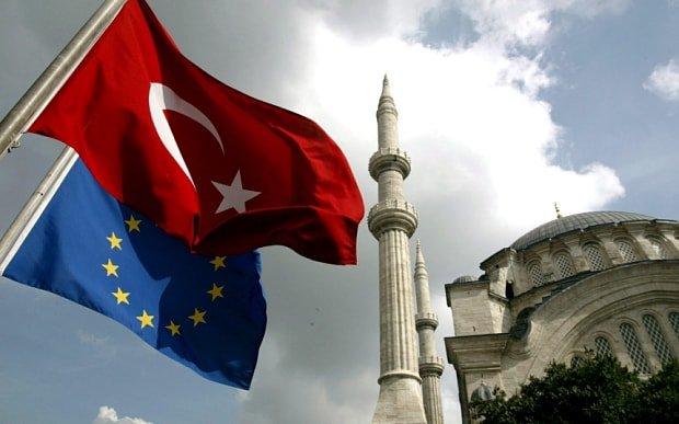 """""""شروط الانضمام صعبة على أردوغان"""".. خبير روسي يكشف أسباب عدم قبول تركيا في الاتحاد الأوروبي"""