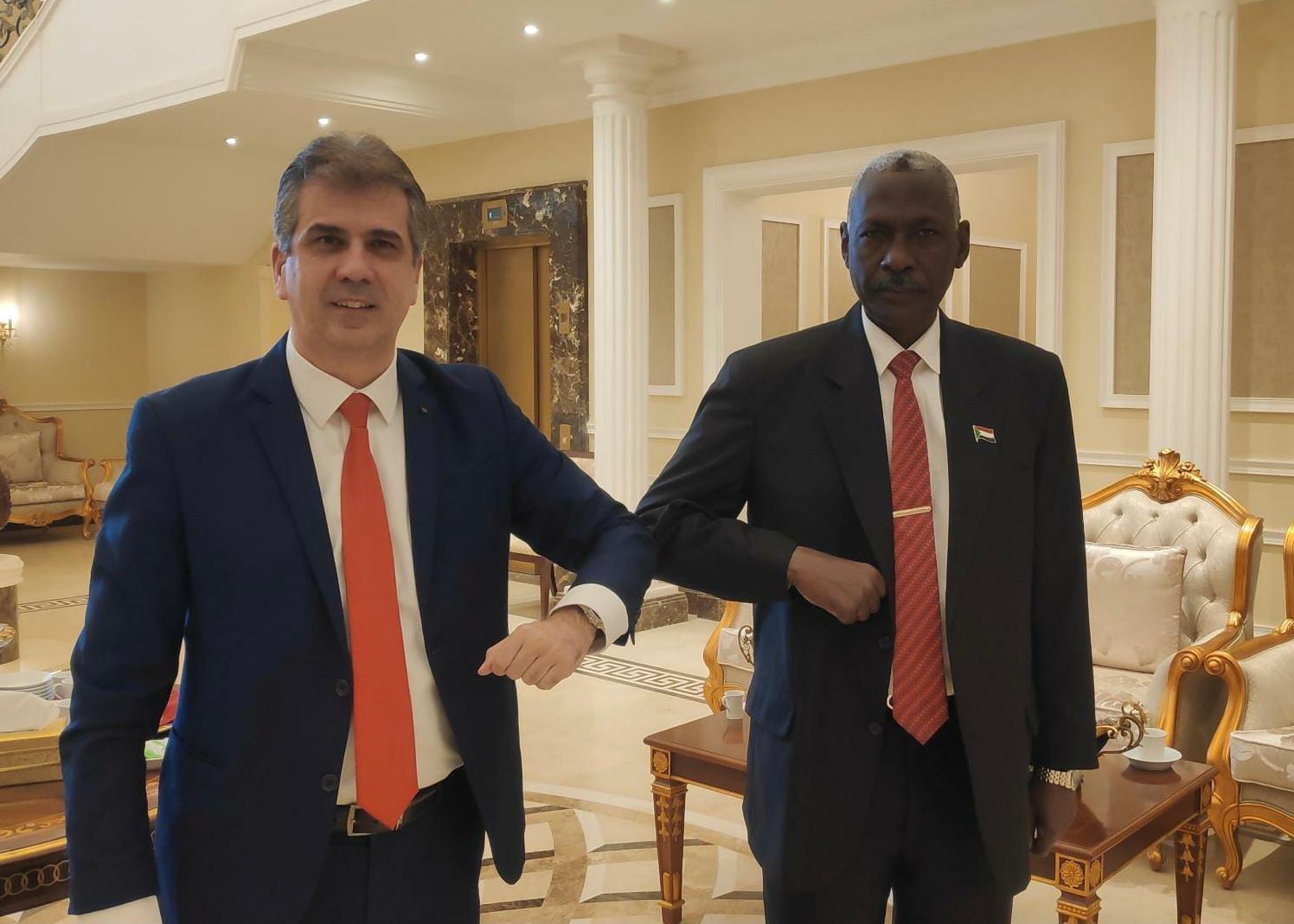 وزير استخباراتي إسرائيلي يزور السودان.. والأخير ينتظر مسؤولاً أمريكياً بعد تصعيد الوضع مع إثيوبيا