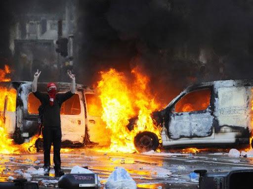 بالفيديو   احتجاجات في بروكسل وتكسير سيارات الشرطة وسط غضب عارم وتجاهل للإعلام العالمي